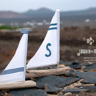 small driftwood sailboat handmade in lanzarote by Jardindelmar.es