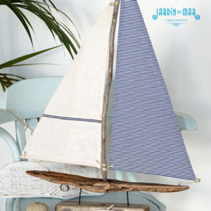 driftwood sailboat handmade in lanzarote by Jardindelmar.es