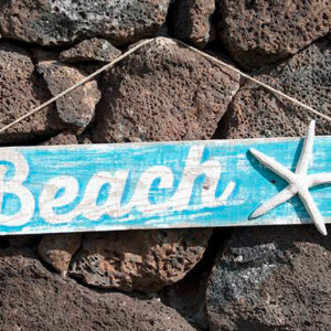 "Recycled wooden sign ""Beach"" handmade painted - Jardin del Mar"