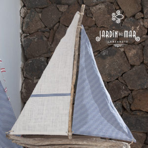 driftwood sailboat handmade with love in lanzarote by Jardindelmar.es