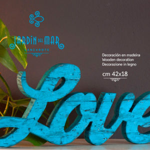 "Wooden sign ""love"" handmade cutted and painted on recycled wood - Jardin del Mar"
