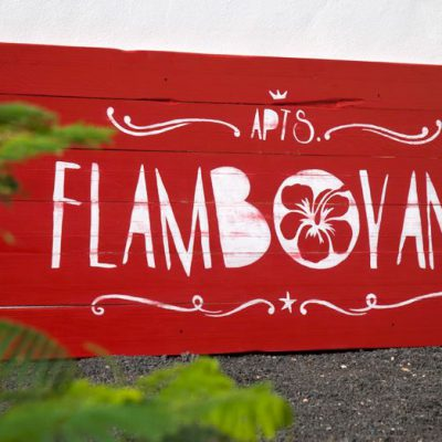Wooden sign for Flamboyant Apartment in Puerto del Carmen - Lanzarote - Jardin del Mar